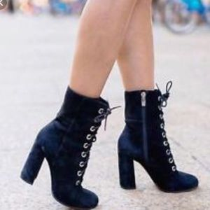 NWOB VINCE CAMUTO TEISHA COMBAT ANKLE BOOTS 8.5